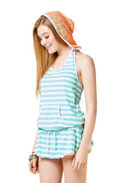 連身裙泳衣